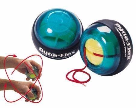כדור כוח עם לוגו חברה. מחזק את שרירי הזרוע על ידי האצת הג'ירוסקופ שתוך הכדור