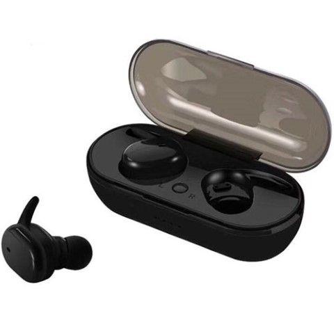 לוגו על אוזניות אלחוטיות
